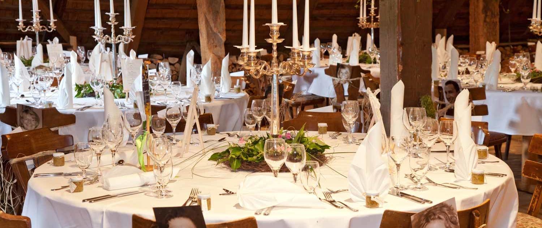 Henslerhof mit Hochzeitsdeko